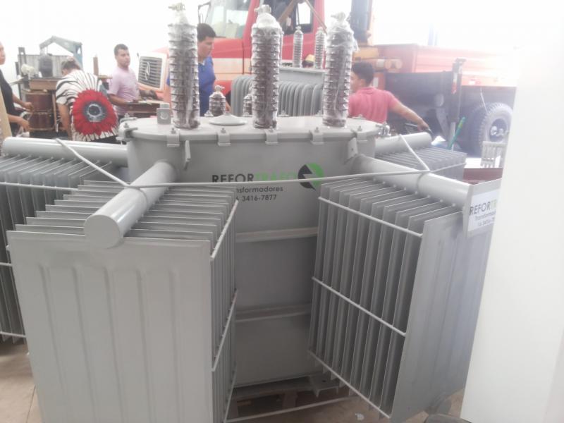 Manutenção de transformadores a óleo